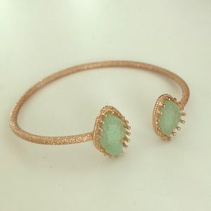 Jewelry - Gold bracelet with light green geode style stones